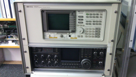 Universal Frequency Panorama Receiver HP 85940A